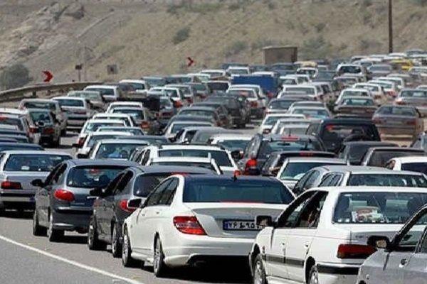 ترافیک در هراز بسیار سنگین است