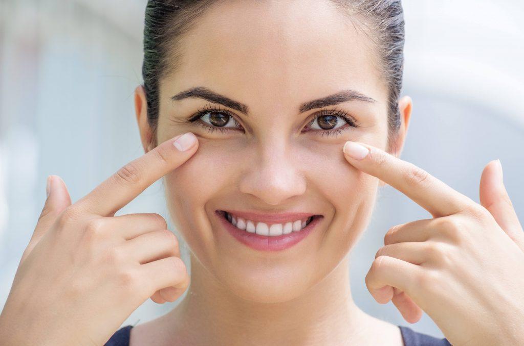 13 روش برای از بین بردن سیاهی دور چشم