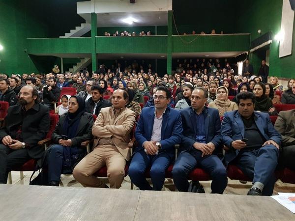 نشست تخصصی بسته بندی صنایع دستی با تاکید بر مریوان شهر جهانی کلاش برگزار گردید