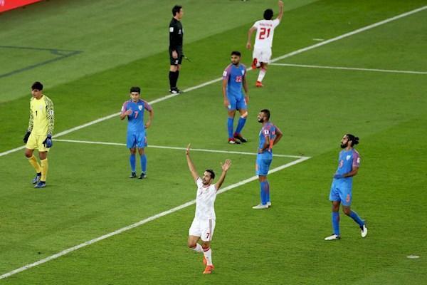 امارات خوش شانس اولین برد را جشن گرفت