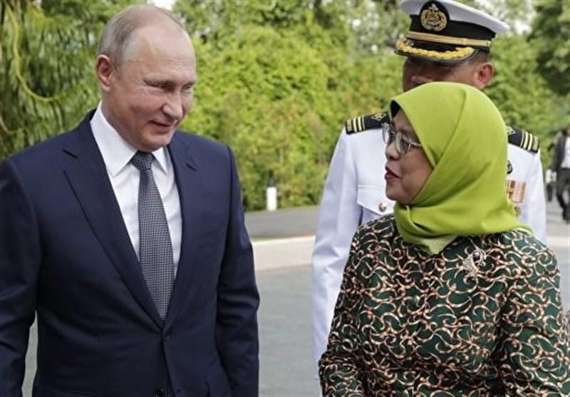دیدار پوتین با رئیس جمهوری سنگاپور
