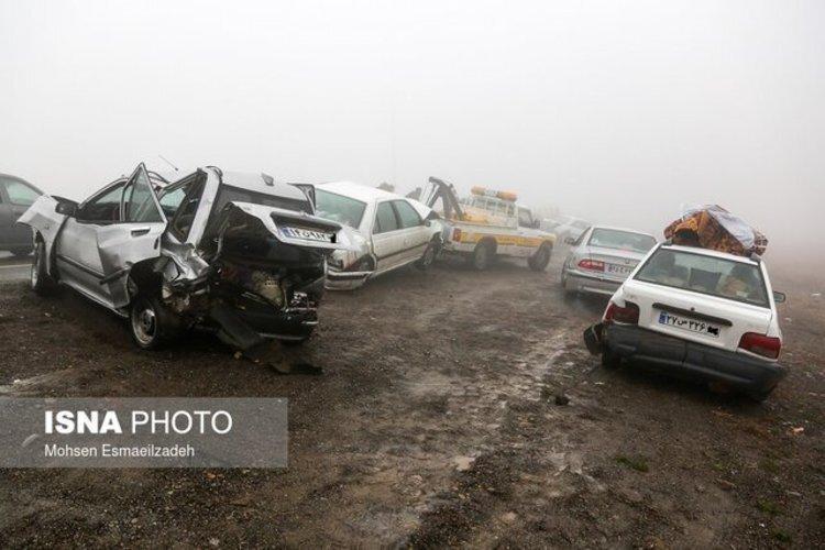 تصادف زنجیره ای 26 خودرو در آزادراه کرج-قزوین ، 108 نفر حادثه دیدند