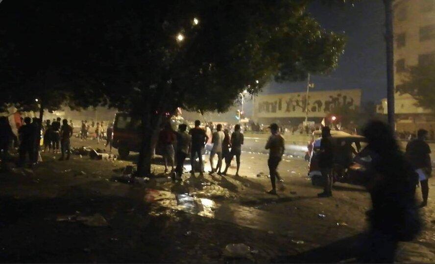تظاهرات مردم بغداد علی رغم منع آمد و شد در پایتخت