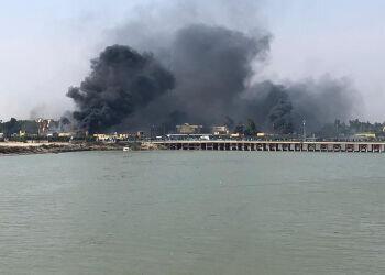 ناصریه عراق ملتهب شد، اغتشاشگران یک مقر را به آتش کشیدند