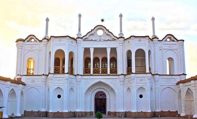 زیبایی های چشم نواز عمارت سفید کرمان