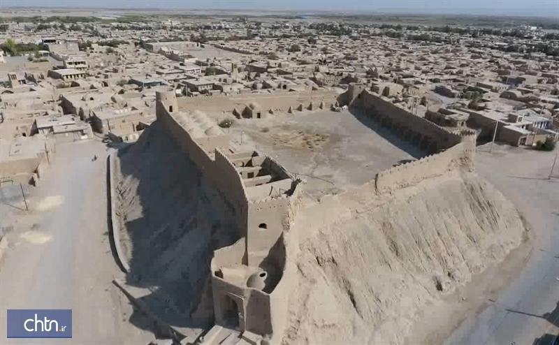 مرمت و سامان دهی قلعه تاریخی مروست در یزد شروع می گردد