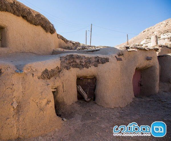 انجام فصل چهارم بازسازی روستای ماخونیک خراسان جنوبی