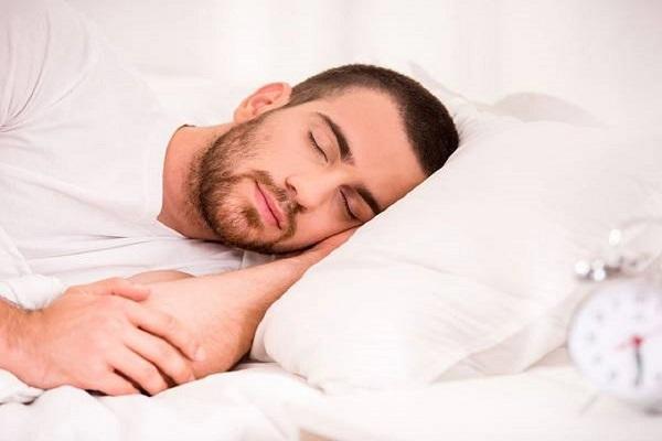 زمان مناسب قیلوله برای جلوگیری از آسیب های خواب روزانه