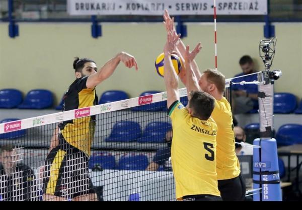 تدوام پیروزی های اسکرا در لیگ والیبال لهستان با درخشش عبادی پور