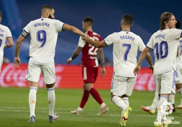 لالیگا، پیروزی پرگل رئال مادرید مقابل سلتاویگو با هت تریک بنزما، صدرنشینی در شب بازگشت به سانتیاگو برنابئو